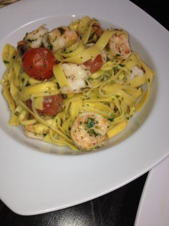 El Tomato : Fetuccini Alfredo with Shrimp