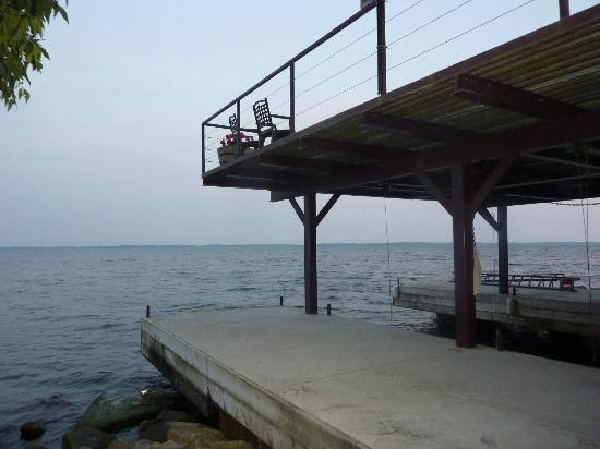Howe Island B&B: Boat dock