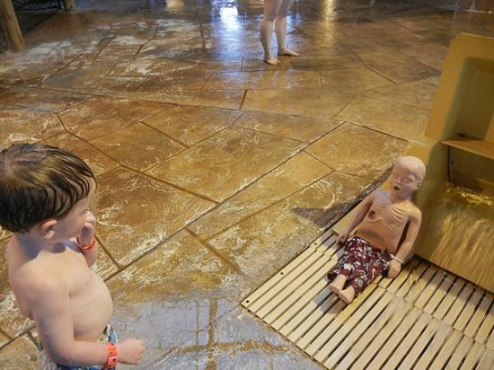 Great Wolf Lodge: Timmy the rescue dummy