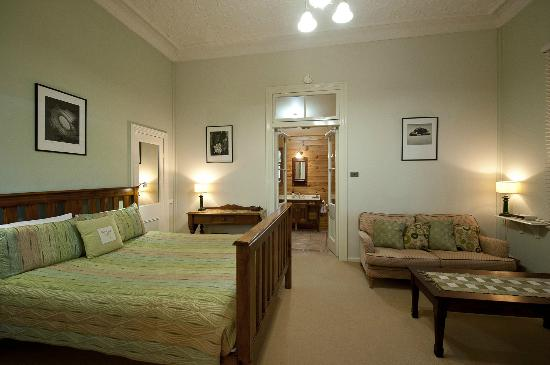 Milton Bed and Breakfast: The Green Room