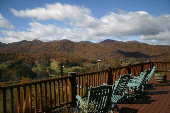 Sit awhile and enjoy the view - Wildberry Lodge