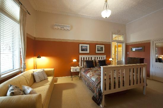 Milton Bed and Breakfast: The Outback Room with king bed/twin beds