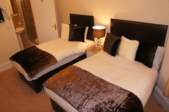 Sapphire Hotel London: Triple Room