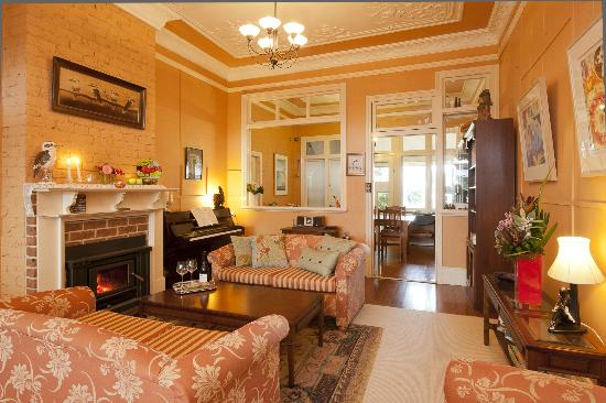 Milton Bed and Breakfast: Guest Loungeroom