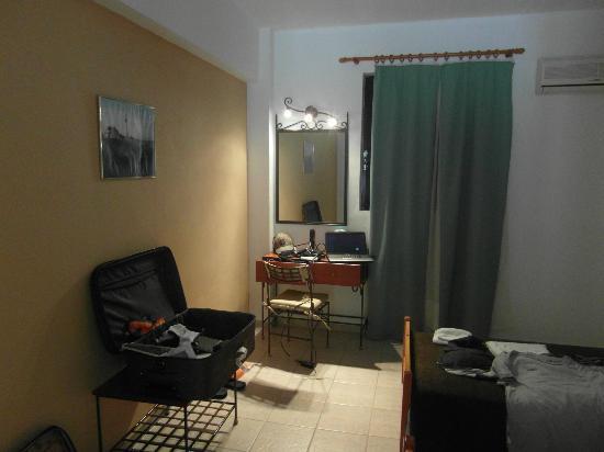 Lavrion Studios: Single room