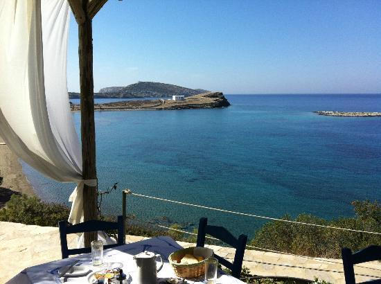 Grispos Villas: breakfast in front of the sea