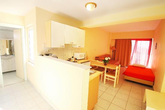 Pavlos Hotel - Living Room