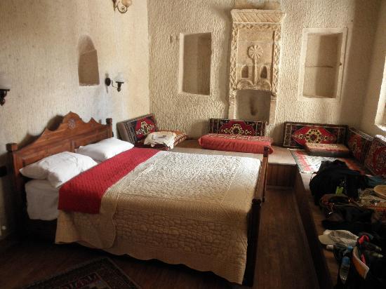 Vineyard Cave Hotel : Cave bedroom