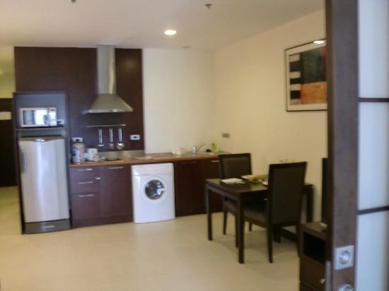 Grand Mercure Bangkok Asoke Residence : 洗濯機が便利