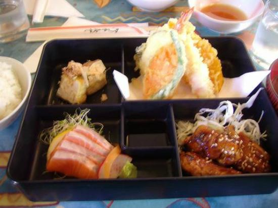 Kappa Japanese Restaurant: Kappa lunch box come with rice and miso soup