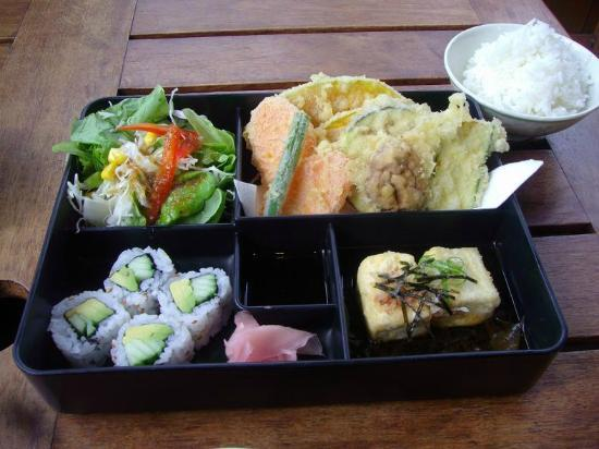 Kappa Japanese Restaurant: Vegetarian lunch box come with rice and miso soup