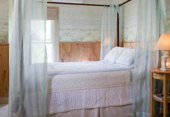 Blueberry Cove Inn: Seashore Room