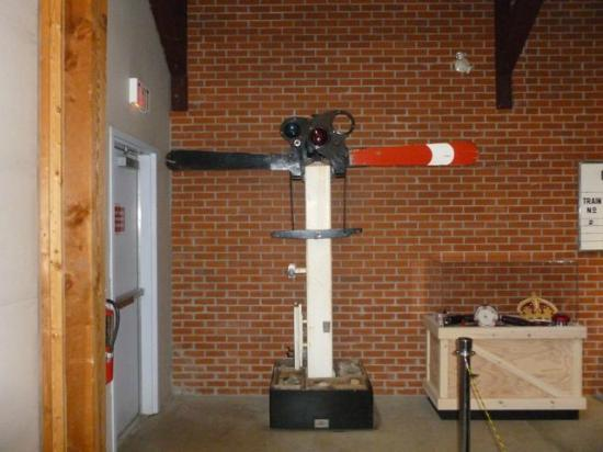 Revelstoke Railway Museum : Semaphore signalling apparatus
