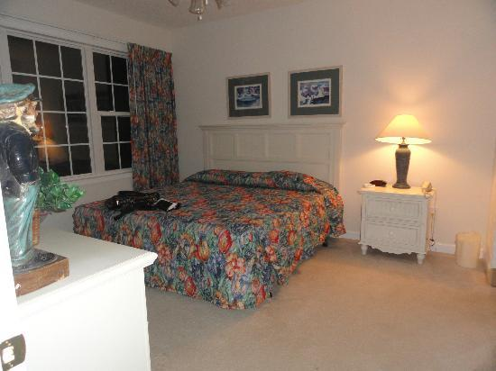 Barefoot Resort Yacht Club: master bedroom
