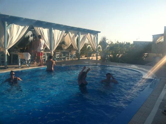 Silver Palace: Pool