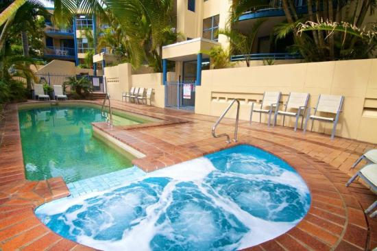 Portobello Resort Apartments: Pool Area