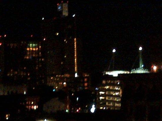 Courtyard by Marriott San Antonio Riverwalk: Another night view from balcony
