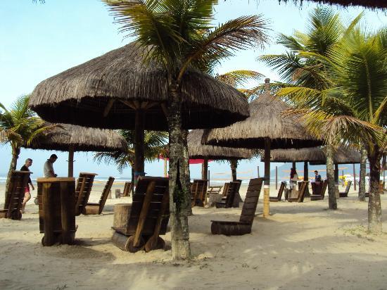 Bertioga, SP: Praia da Enseada - em frente ao Sesc