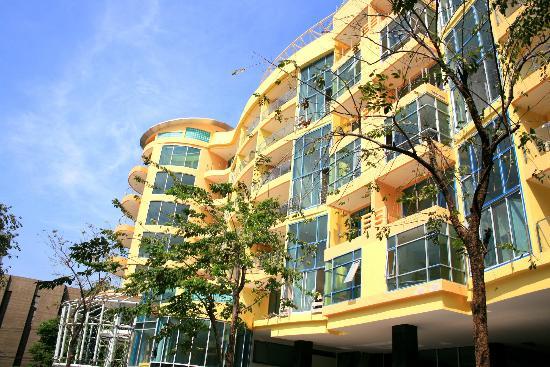 Seven Place Executive : Building