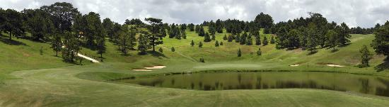 Dalat Palace Golf Club: Green 16