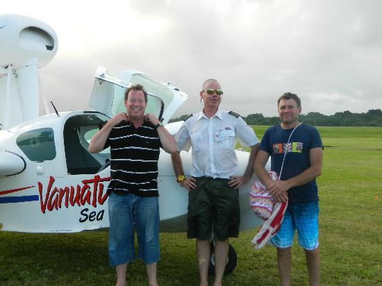 Vanuatu Seaplanes : John, Captain Paul & Tim