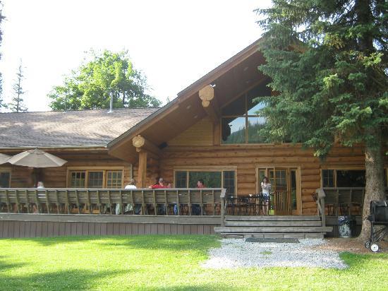 Lochsa Lodge: back of lodge