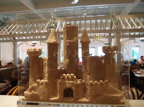 Disney S Beach Club Resort Sandcastles At Cape May Cafe