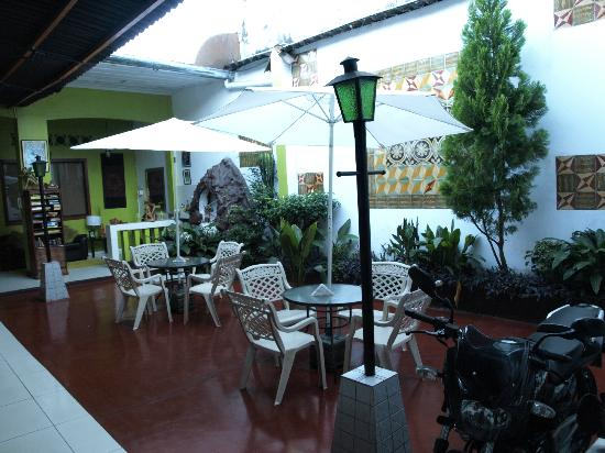 Hotel La Casona Iquitos: The Interior Patio