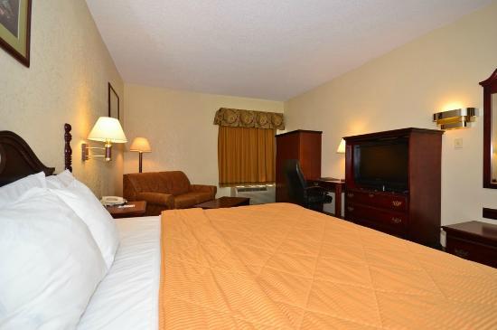 Comfort Inn Hammond: King Bedroom