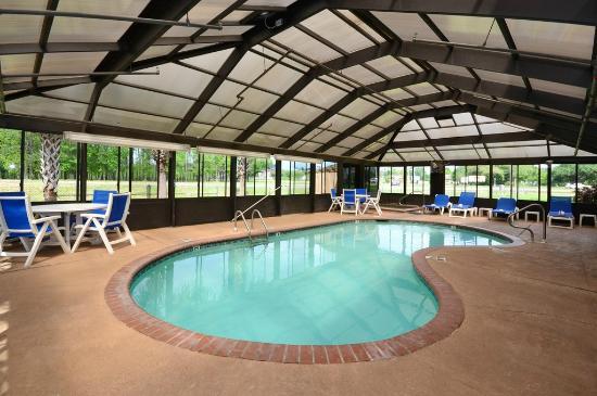 Comfort Inn Hammond: Indoor Heated Swimming Pool