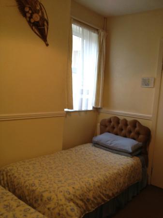Hillside: bedroom