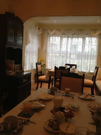 Hillside: dining room