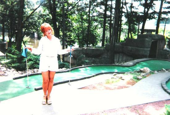Timber Falls Adventure Golf: Fun at Timber Falls