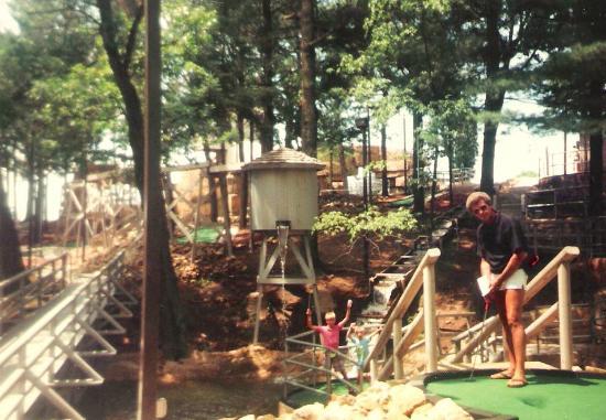 Timber Falls Adventure Golf: Mini-golf at Timber Falls