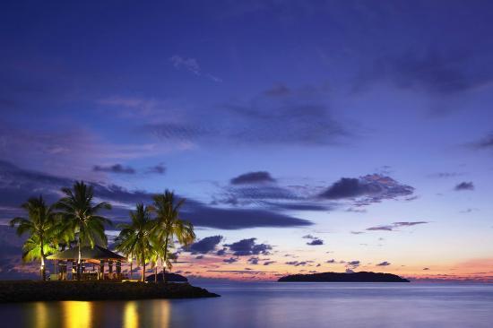 Shangri-La's Tanjung Aru Resort & Spa: Sunset Bar