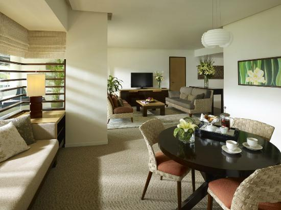Shangri-La's Tanjung Aru Resort & Spa: Tanjung Wing Deluxe Suite Room