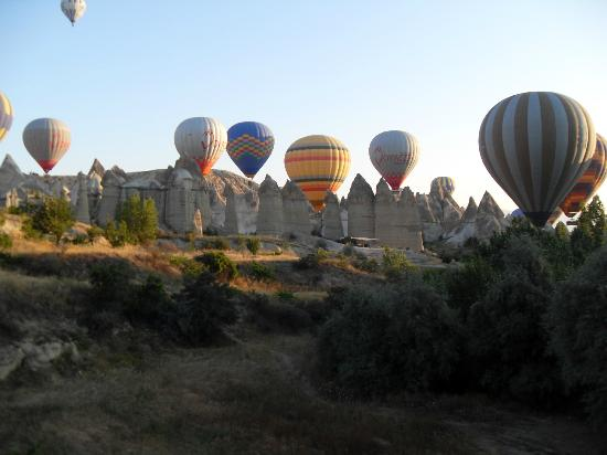 Hot Air Balloons over Love Valley - Picture of Goreme ...