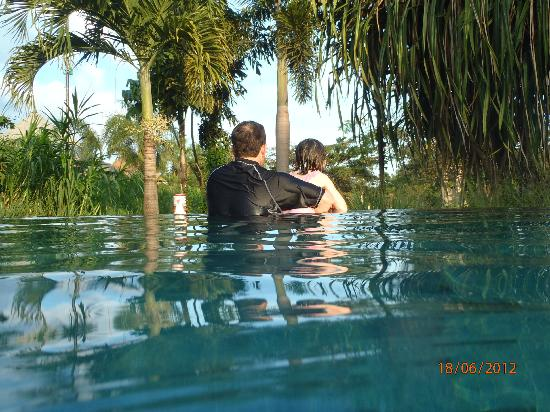 Mara River Safari Lodge: The gorgeous infinity pool