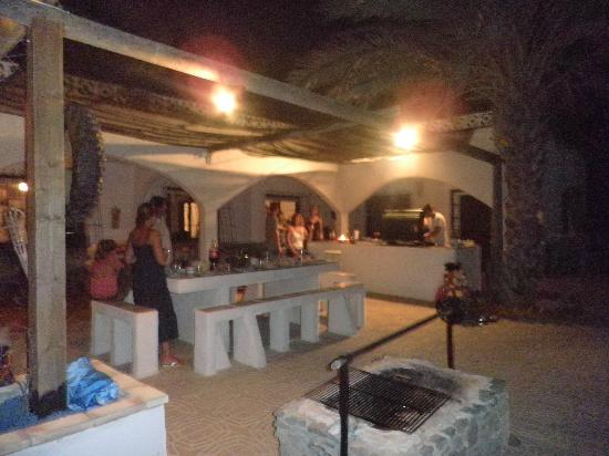 Casa Perez Country Guest House: Outside kitchen and dining area