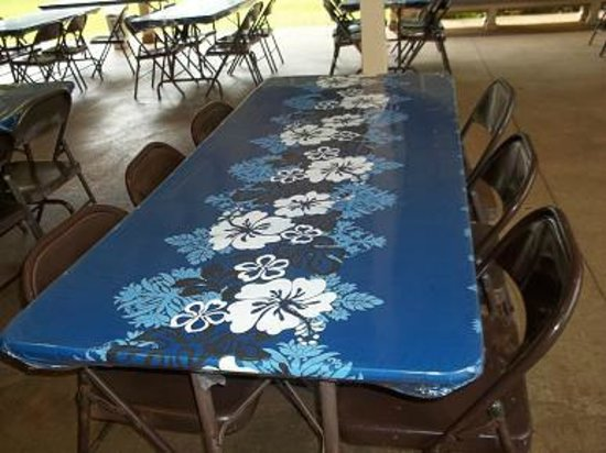Senator Fong's Plantation and Gardens: Lei making and event table