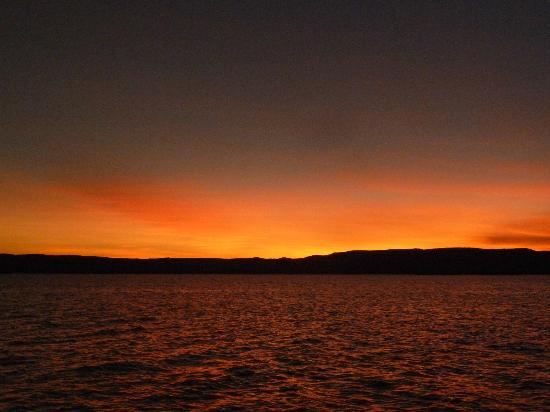 Lake Argyle Resort & Caravan Park : Sunset over Lake Argyle