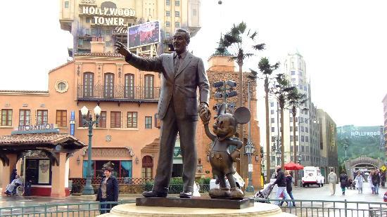 Walt Disney Studios Park Partners Statue Picture Of Walt Disney