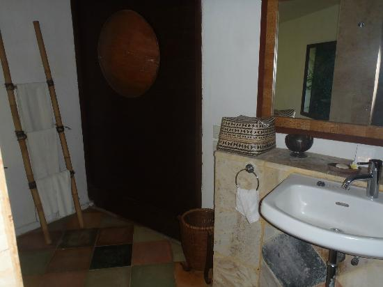 Atta kaMAYA Resort and Villas : Amazing bathroom