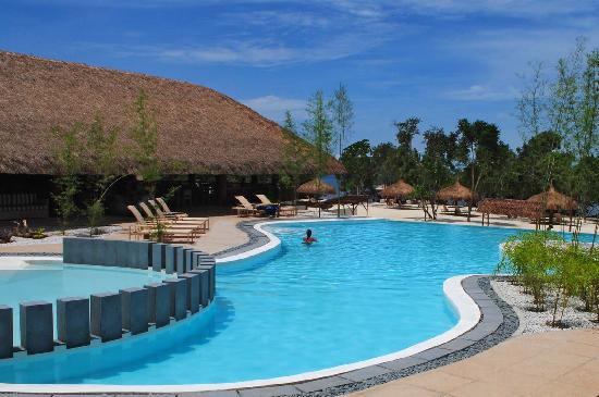 Bluewater Panglao Beach Resort : Swimming Pool