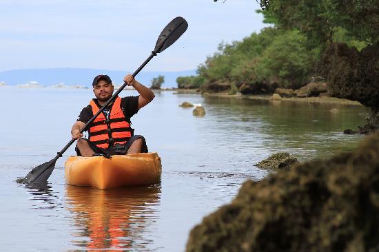 Bluewater Panglao Beach Resort: Kayaking