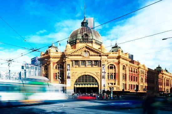 Peek Tours Melbourne