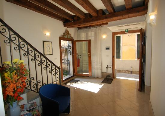 Santa Margherita Guesthouse: entrata hall