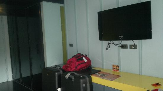 The Heritage Bangkok: TV In room