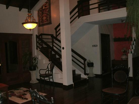 Hacienda Abraspungo: Sitting room area outside Santa  Cruz room