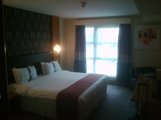 Holiday Inn Manchester Central Park: Room
